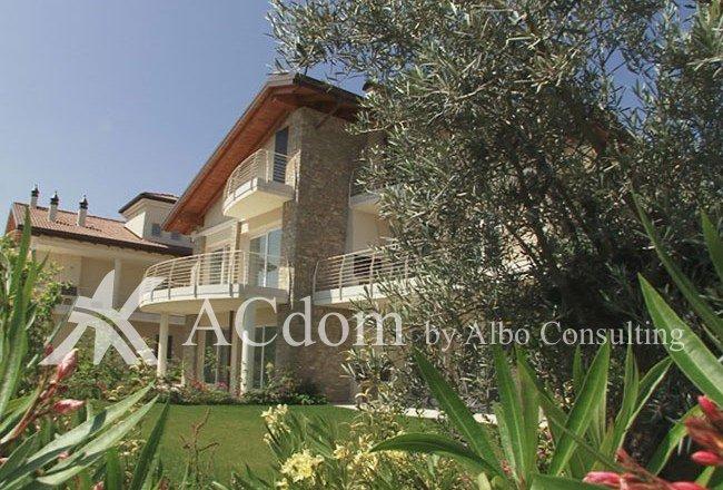 Апартаменты на первой линии озера Гарда - Сирмионе - Италия - ACdom by Albo Consulting
