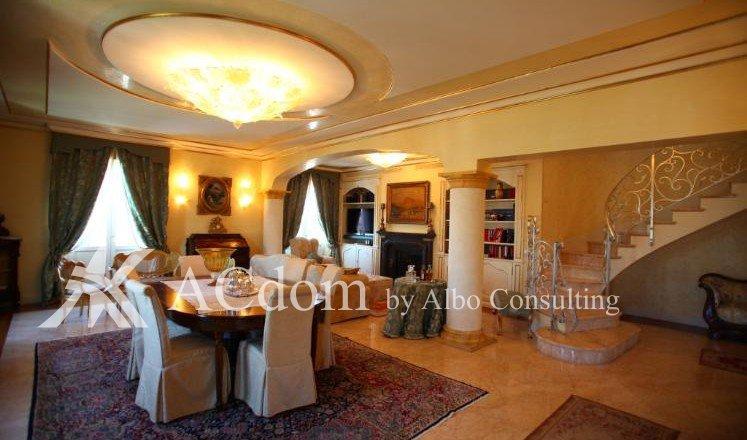 Шикарная квартира в центре Дезенцано дель Гарда - ACdom by Albo Consulting