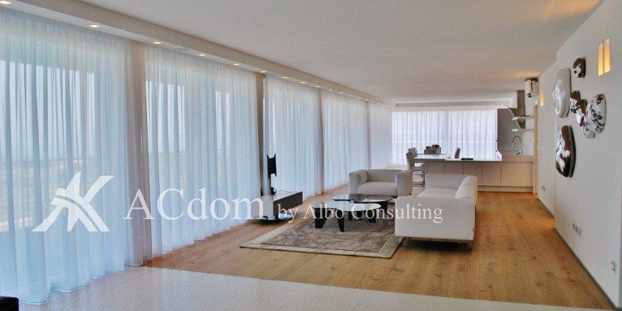 Красивые апартаменты в престижном жилом комплексе на озере Гарда
