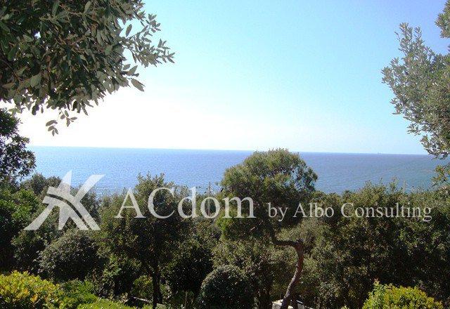 Вилла с видом на море в Тоскане