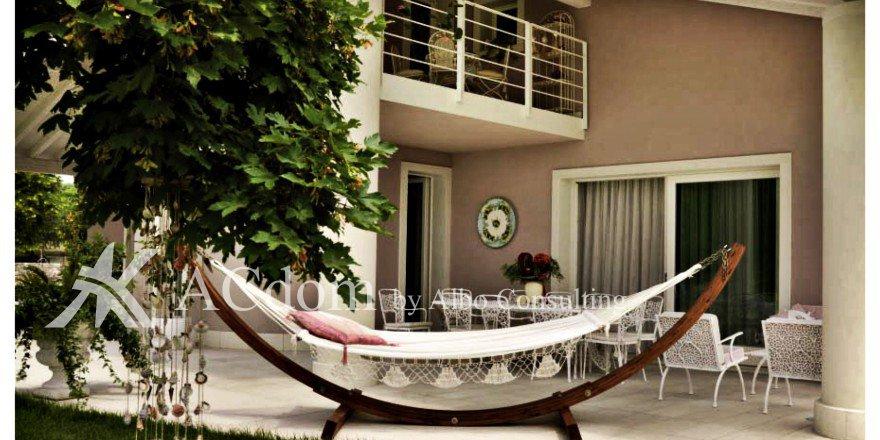 Превосходная вилла с великолепным садом и бассейном на озере Гарда - ACdom by Albo Consulting