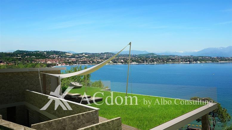 вилла с великолепным видом на озере Гарда