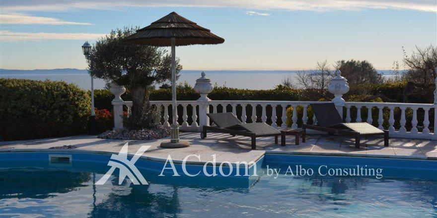 Вилла в средиземноморском стиле на озере Гарда