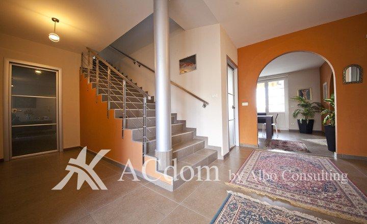 Villa on sale_12