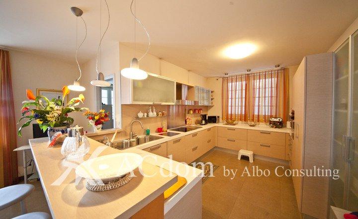 Villa on sale_32